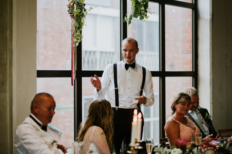 bryllupsfotograf-lageret-tone-tvedt-142.jpg