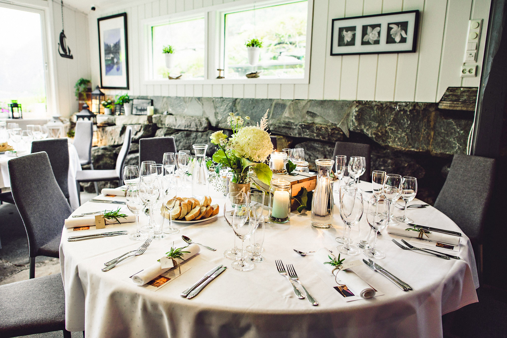 Bryllup på Yrineset i Oldedalen bryllupsfotograf sogn og fjordane-22.jpg