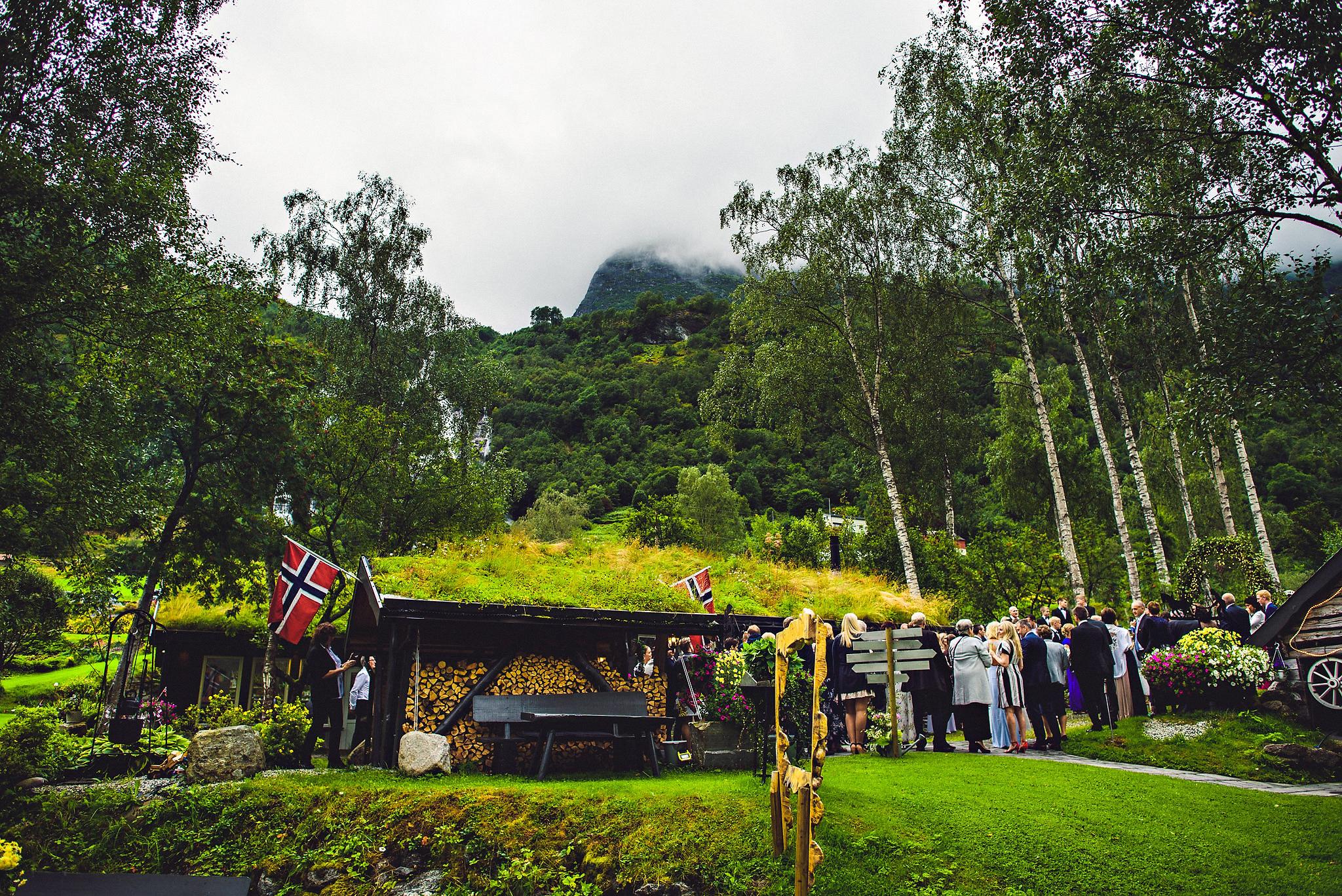 Bryllup på Yrineset i Oldedalen bryllupsfotograf sogn og fjordane-21.jpg