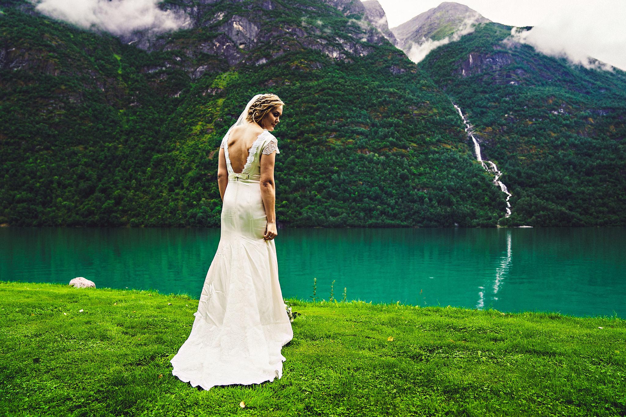 Bryllup på Yrineset i Oldedalen bryllupsfotograf sogn og fjordane-39.jpg