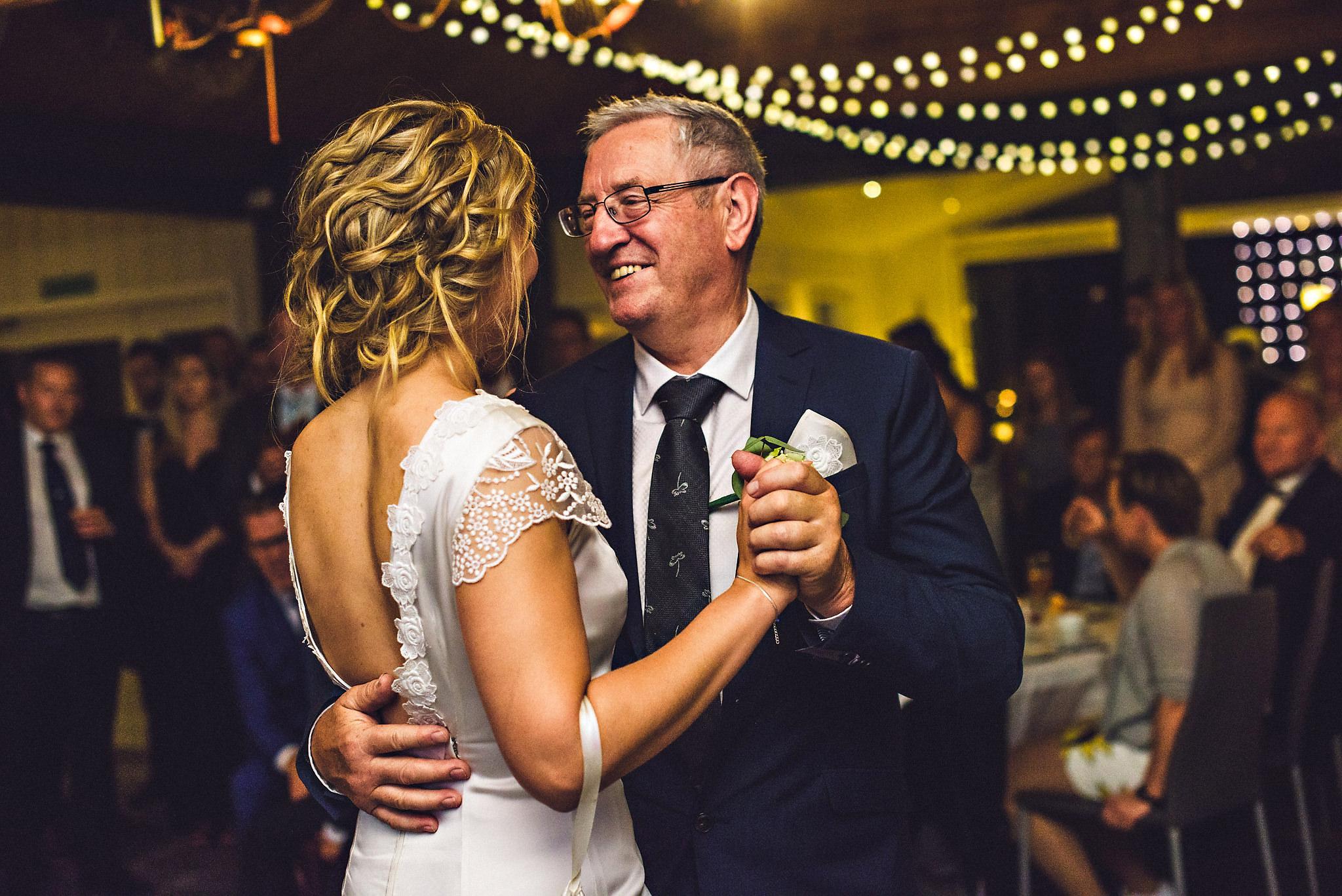 Bryllup på Yrineset i Oldedalen bryllupsfotograf sogn og fjordane-50.jpg