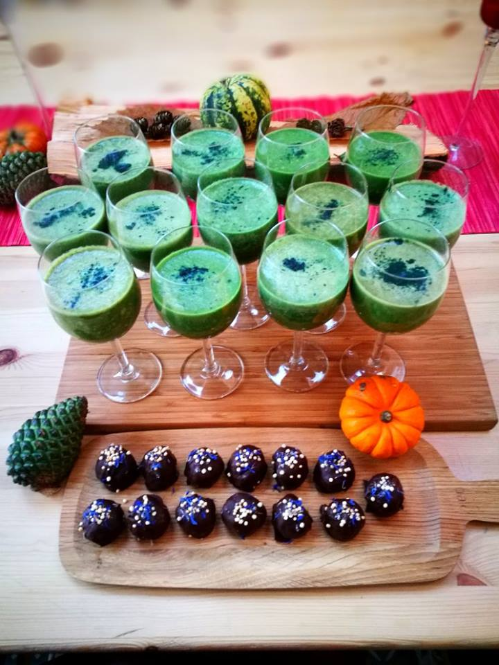 Some delicious smoothies for after morning yoga