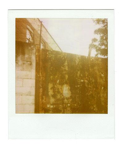 18-Rustywall.jpg