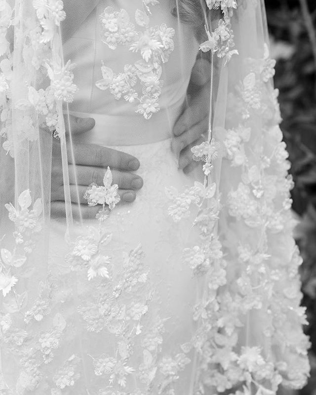 DETAILS // Love this gorgeous vintage vail worn by a July Bride! • • • #weddingdress #veil #details #weddinginspo #weddinginspiration #londonwedding #details #romantic #cute #couple #blackandwhite #photography #londonweddingphotography #moments #memories #bigday #weddingday #love #marriage #husbandandwife #couplegoals #forevertogether