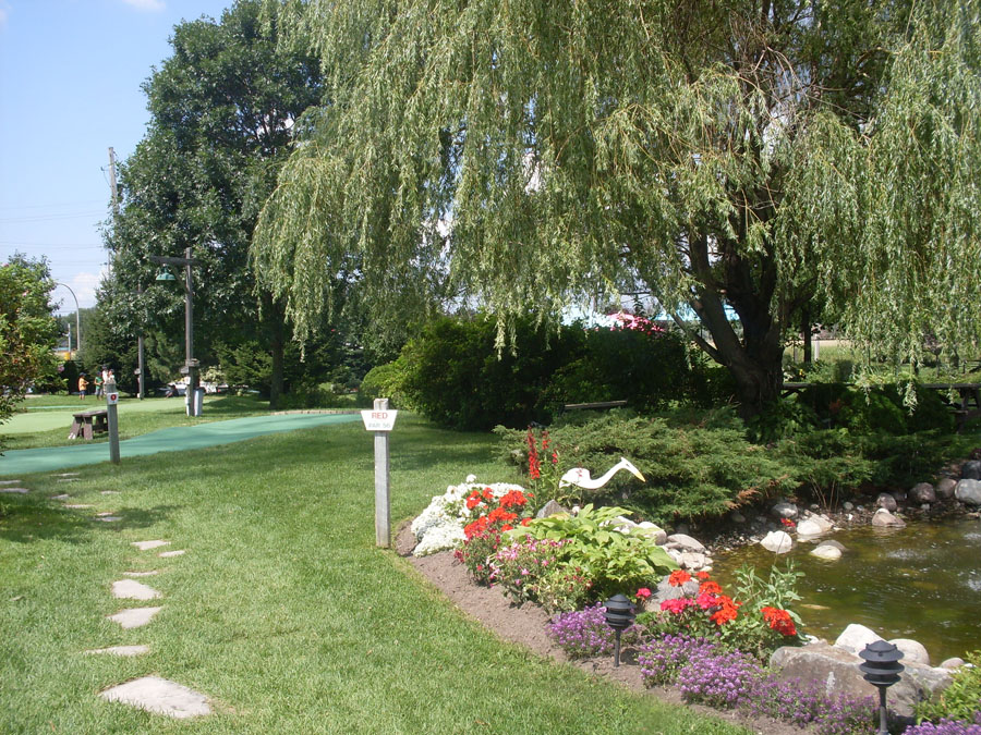 Mini Golf Gardens hosts beautifully maintained courses