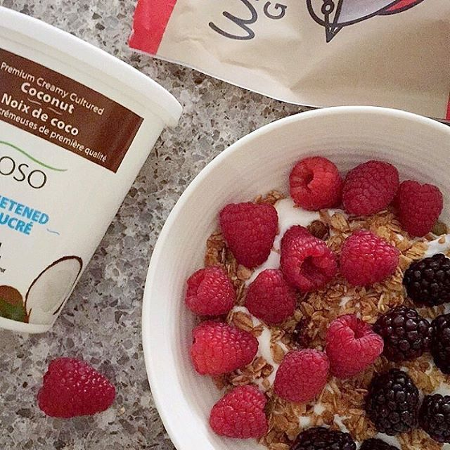 It's the last day of 2017 and no better way to kick it off than with @enjoyyoso coconut yogurt, @whirlybirdgranola gluten free granola and tons of fruit! What you having this morning for breakfast? • • • • #foodmood#healthandwellness#healthfoodshare#noleftovers#glutenfreefood#paleofoodshare#comfortfood#iamwellandgood#paleofoods#eatinghealthy#healthyrecipes#glutenfreefoods#foodblogger#feedfeed#goodmoodfood#feedyourbrain#strongnotskinny#foodforthought#wholefoods#eatclean#glutenfreeeats#paleoeats#foodgoals#bowlgoals