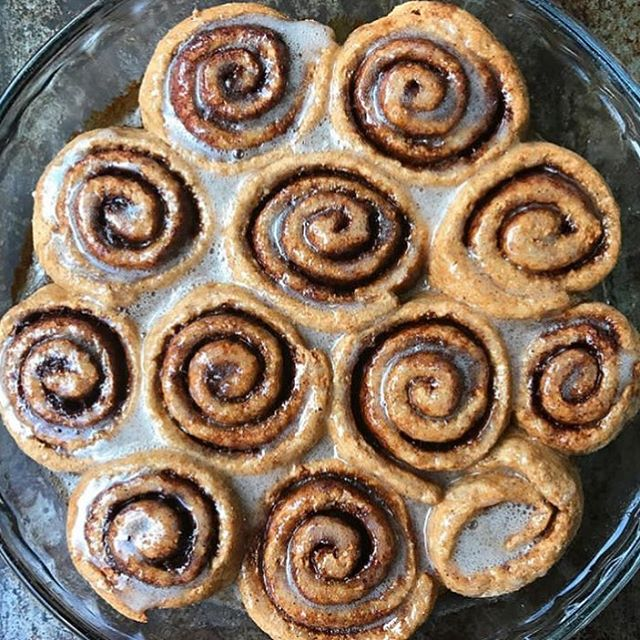 Can't get over these delicious cinnamon buns! As promised, I'm sharing the recipe I used... directly from @minimalistbaker! It's a crowd pleaser, so easy to make and delicious beyond belief!! • • • • #foodmood#healthandwellness#healthfoodshare#noleftovers#plantstrong#paleofoodshare#plantbased#iamwellandgood#feedfeed#eatinghealthy#healthyrecipes#healthychoices#minimalistbaker#bakedgoods#glutenfreefoods#plantbasedfood#foodblogger#eatforabs#f52grams#feedfeed#goodmoodfood#feedyourbrain#strongnotskinny#foodforthought#wholefoods#macros#eatclean#tiuteam