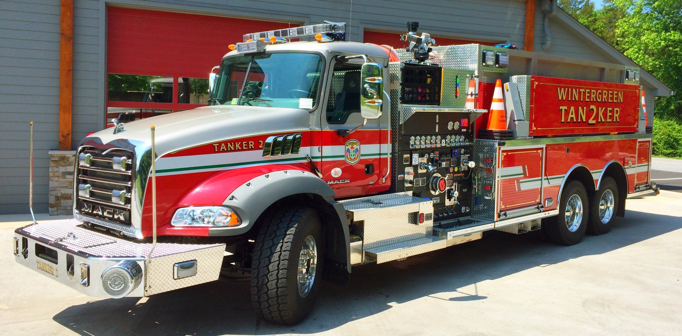 Tanker 62  - 2015 Rosenbaur Pumper/Tanker on a 2015 Mack Granite Chassis. 2500 gallons of water. 1500GPM Waterous pump with Compressed Air Foam System. 505 horse-power engine with Allison automatic transmission.