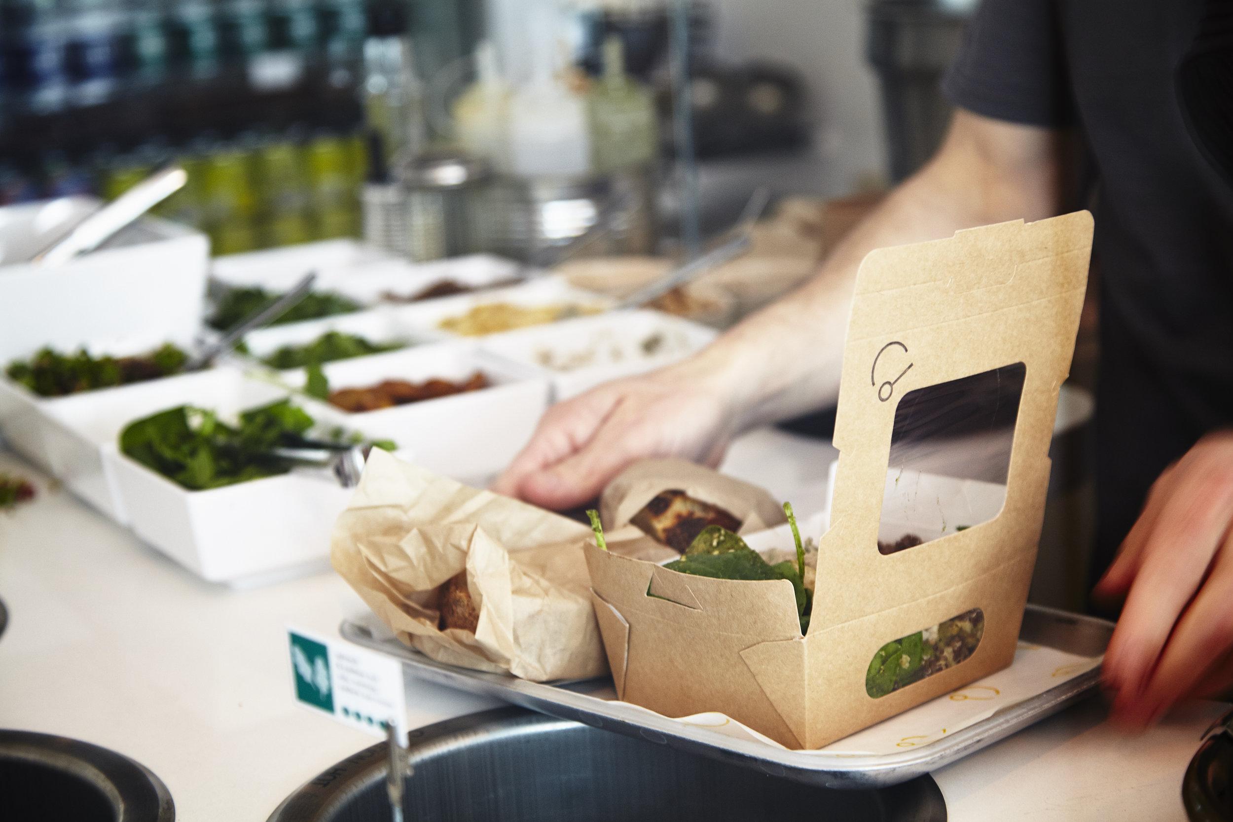 Takeaway Salad Box