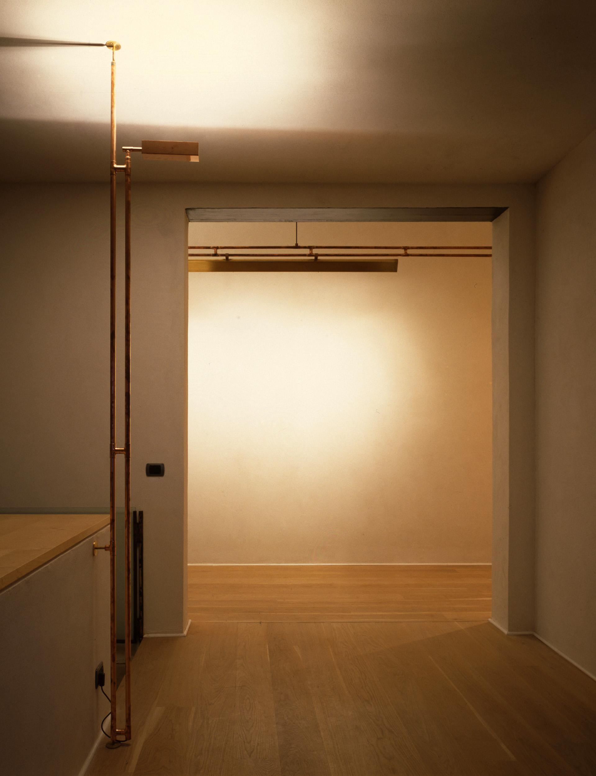 LAMP-FLO-04.jpg
