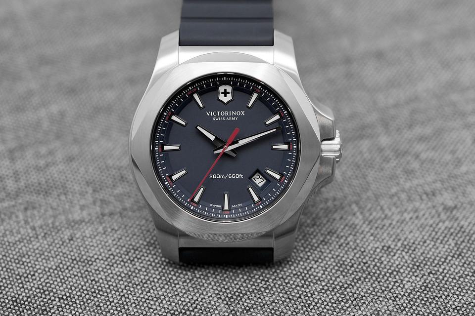 Victorinox-Swiss-Army-INOX-watches.jpg