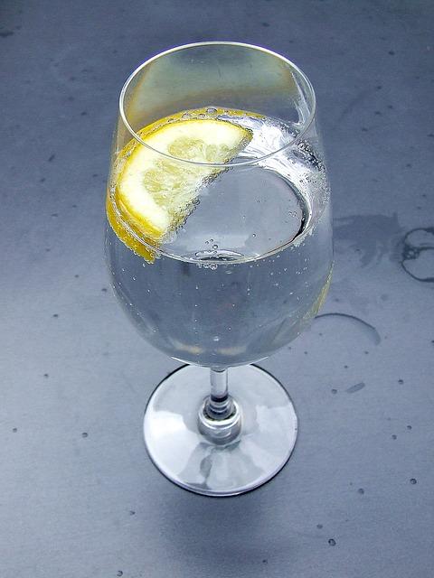 #Beauty Fixes I'm Crushing On: Lemon Water