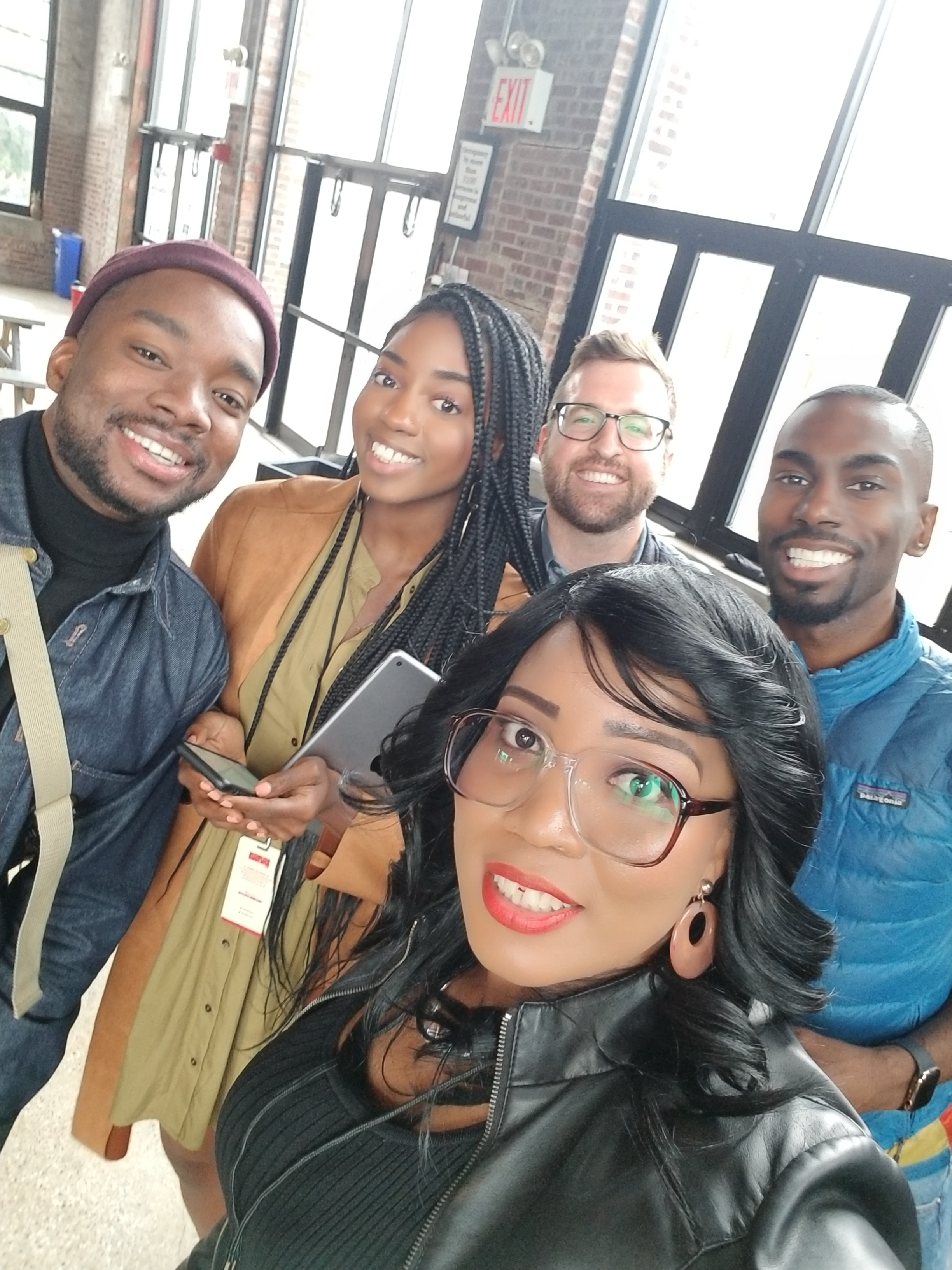 Image: by Nicole (NLLMag) with Squarespace Marketing team and Deray at #CultureCon 2018