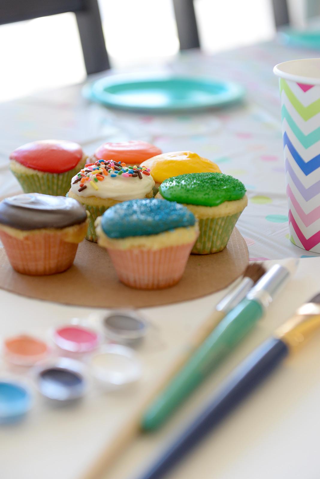 paint-palette-cupcakes.jpg