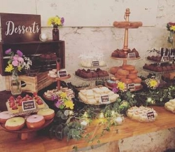 How about dressing up the dessert table a little bit?! Weave in a string of mini lights and you have taken this table of sweets from one level to the next. @bkstylingandevents, WE APPROVE!