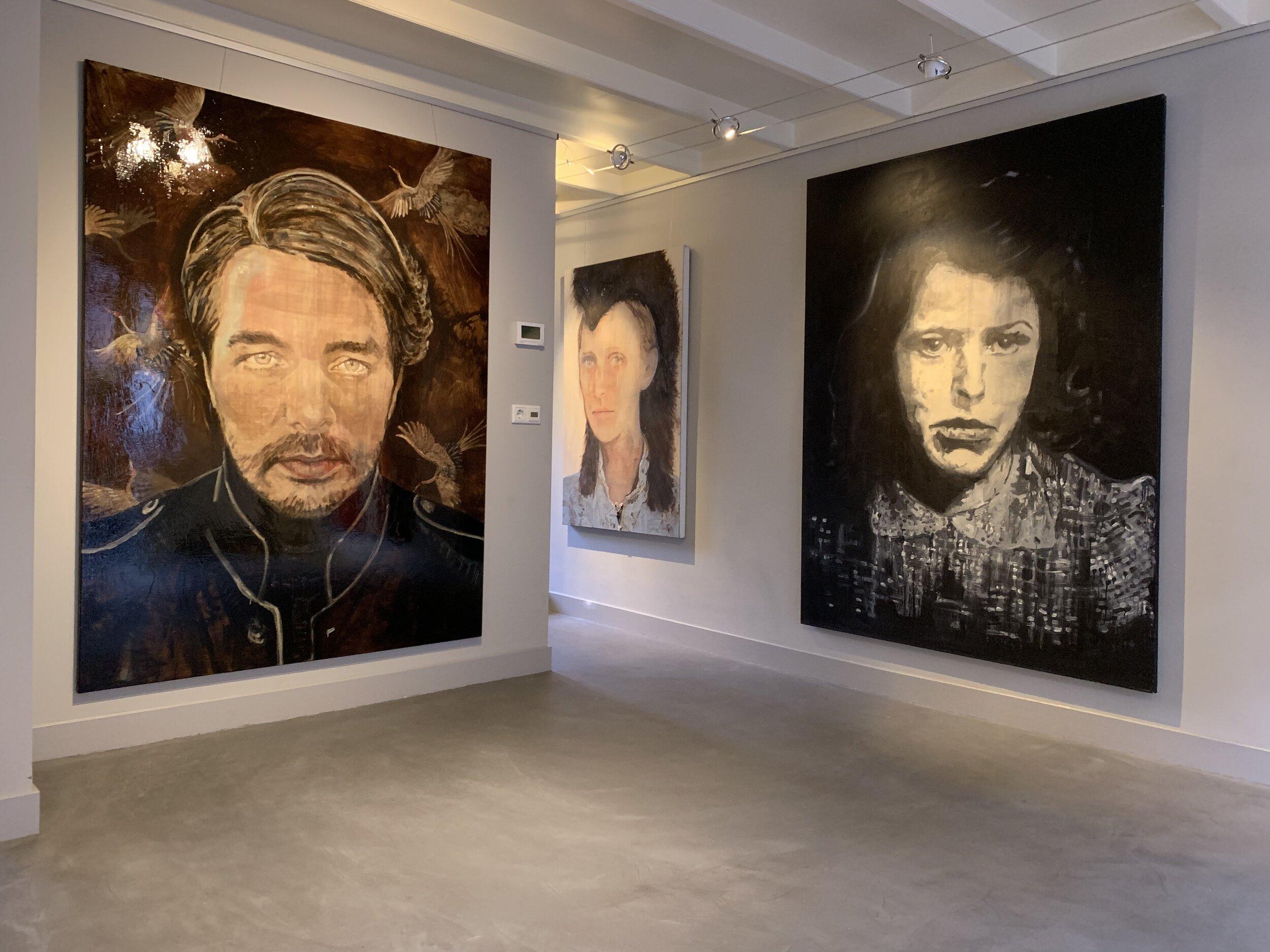 Safe and sound 2019 200 x 150 cm tempera, acryl, pastel en houtskool op doek