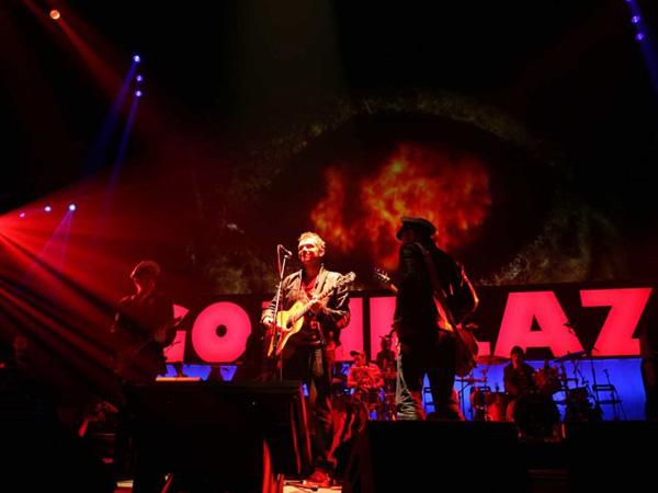 Gorillaz Singer on Stage.jpg