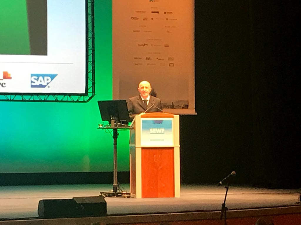 Gerry Higgins welcomes delegates at the opening ceremony.