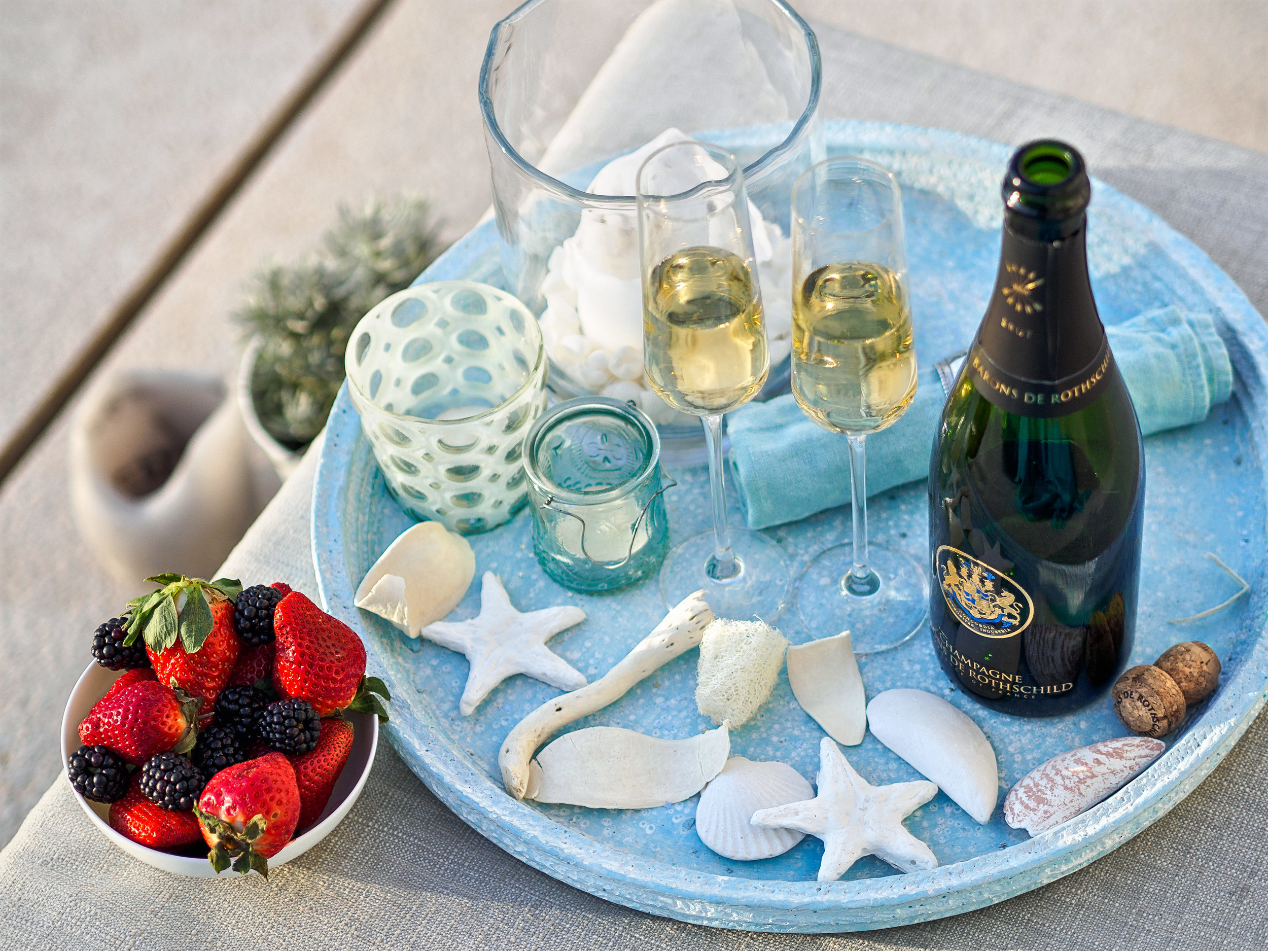 """Lifestyle & Champagne III, <span STYLE=""""font-weight: normal"""">2017</span>"""