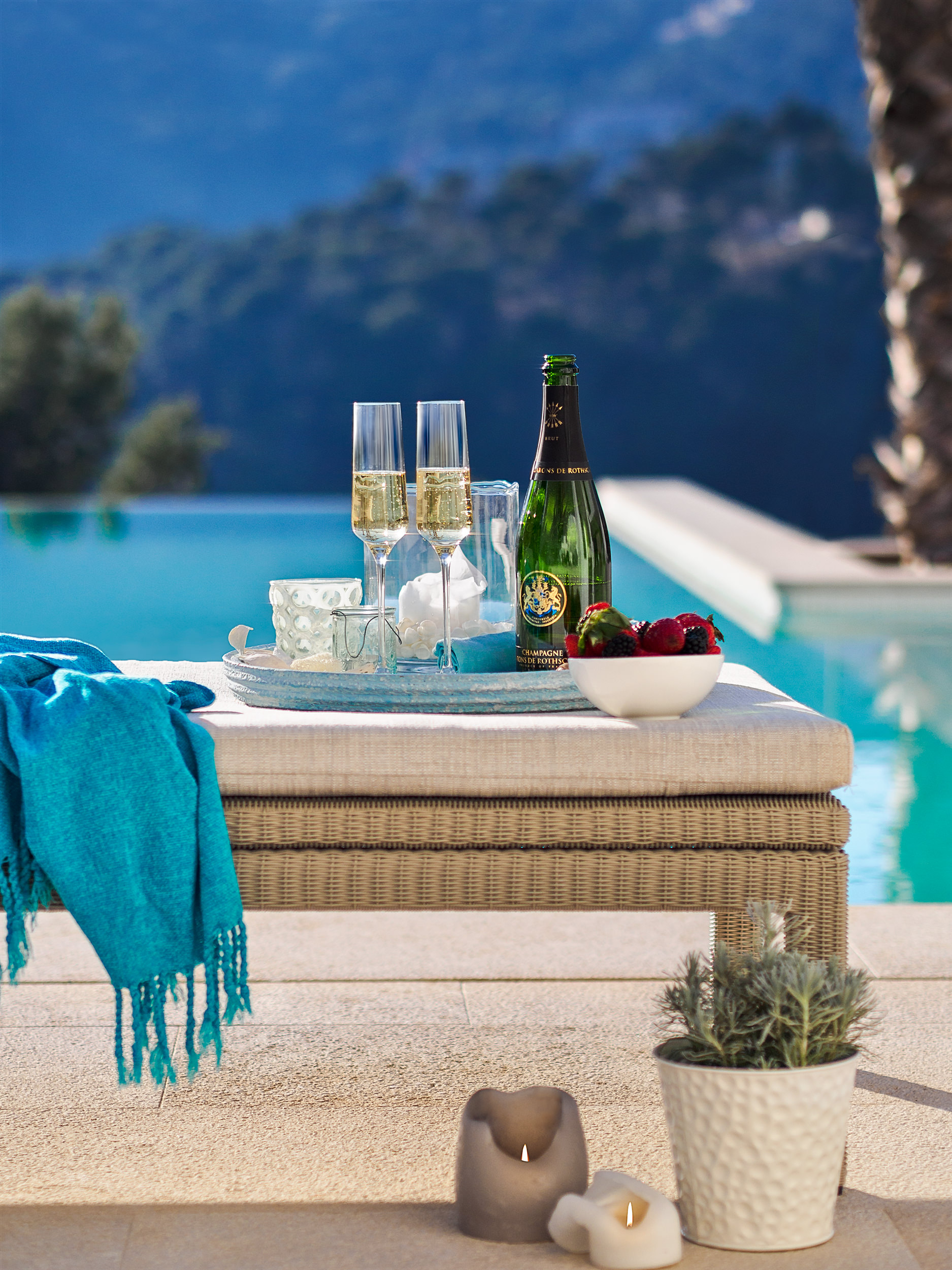 """Lifestyle & Champagne, <span STYLE=""""font-weight: normal"""">2017</span>"""