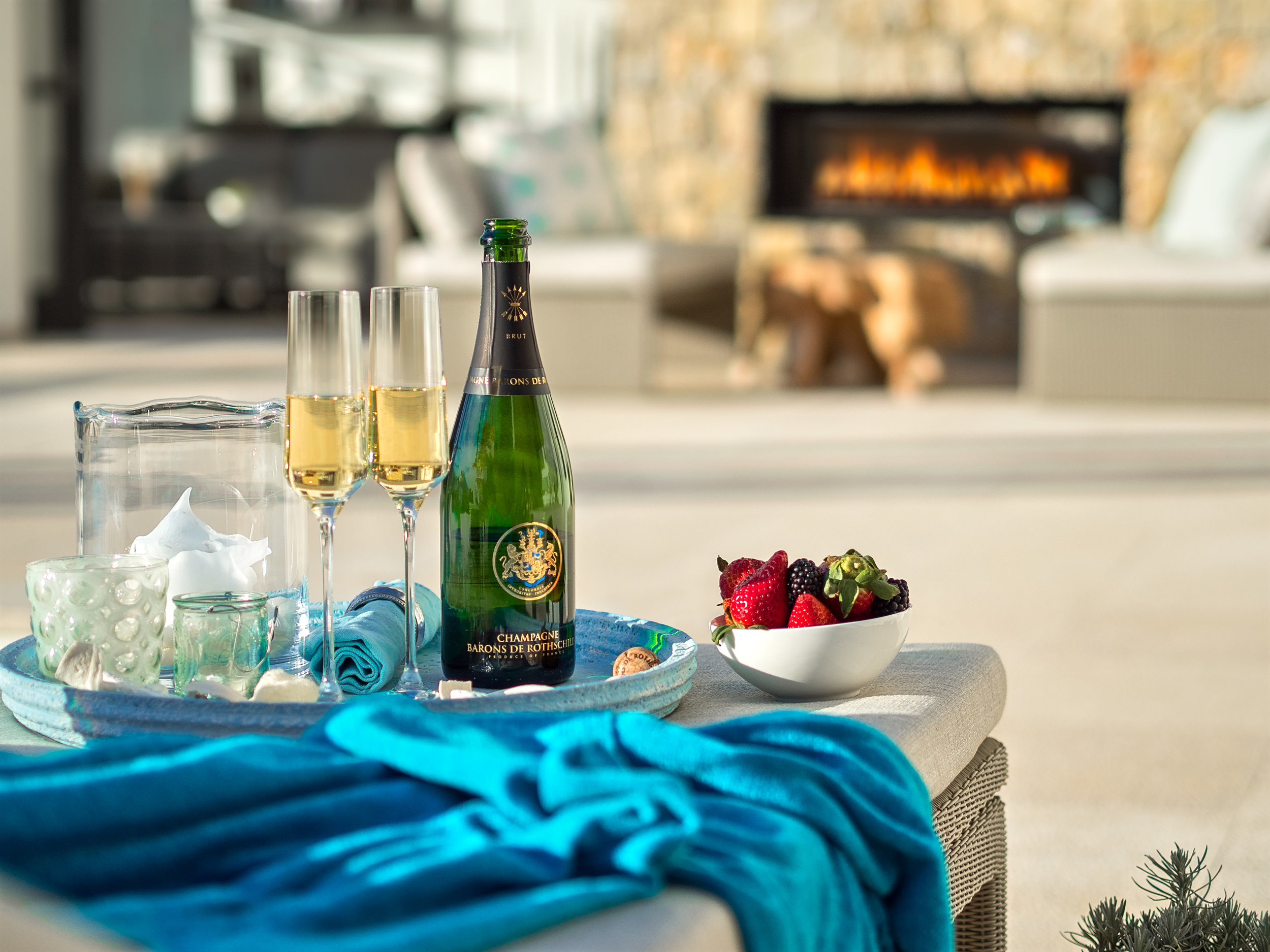 """Lifestyle & Champagne II, <span STYLE=""""font-weight: normal"""">2017</span>"""