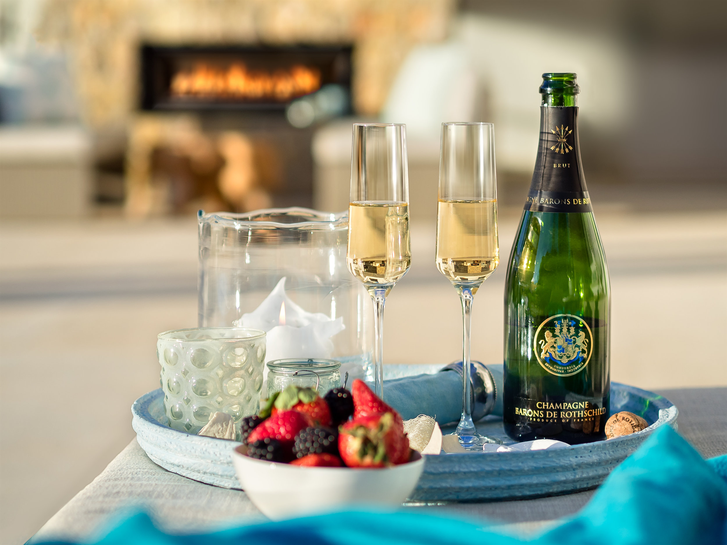 """Lifestyle & Champagne VI, <span STYLE=""""font-weight: normal"""">2017</span>"""