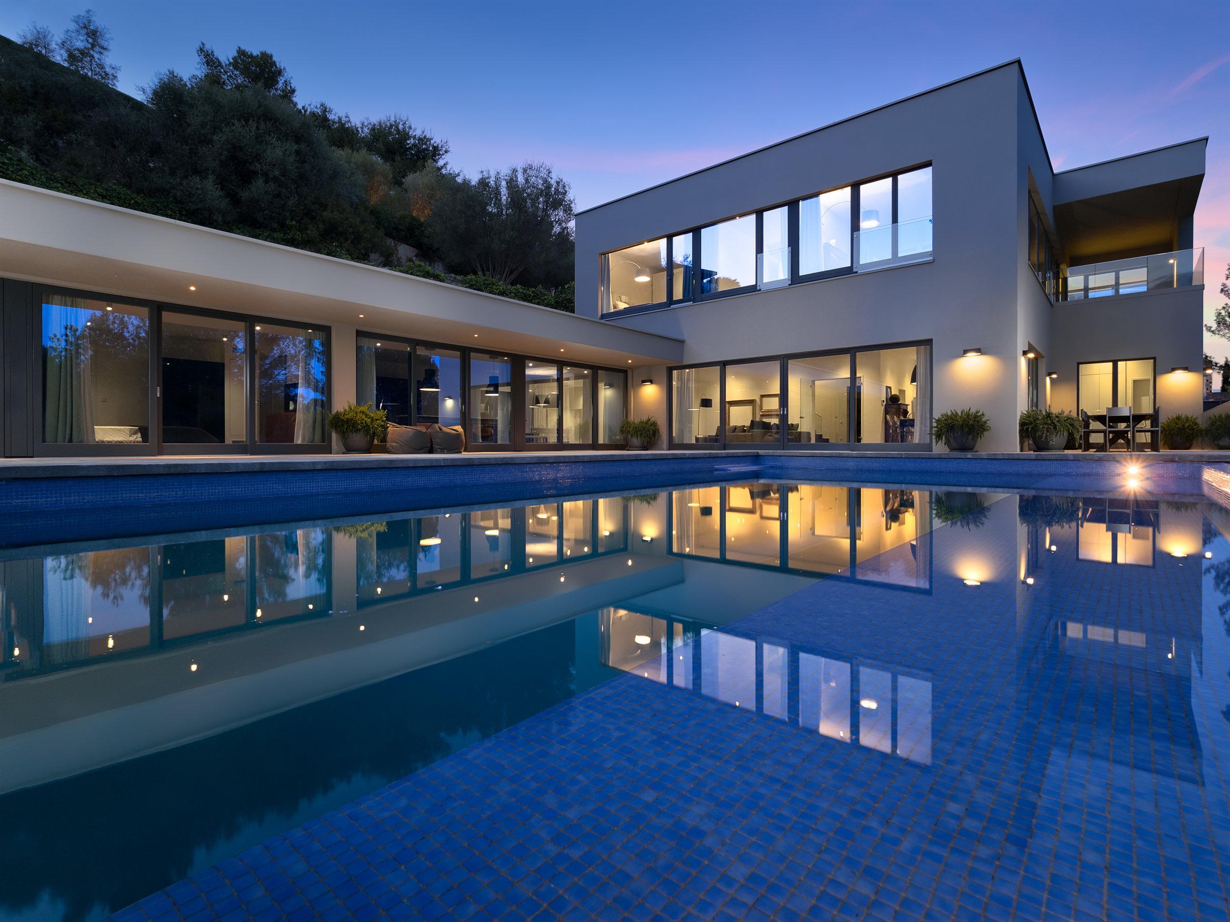 Designer Villa, 2019