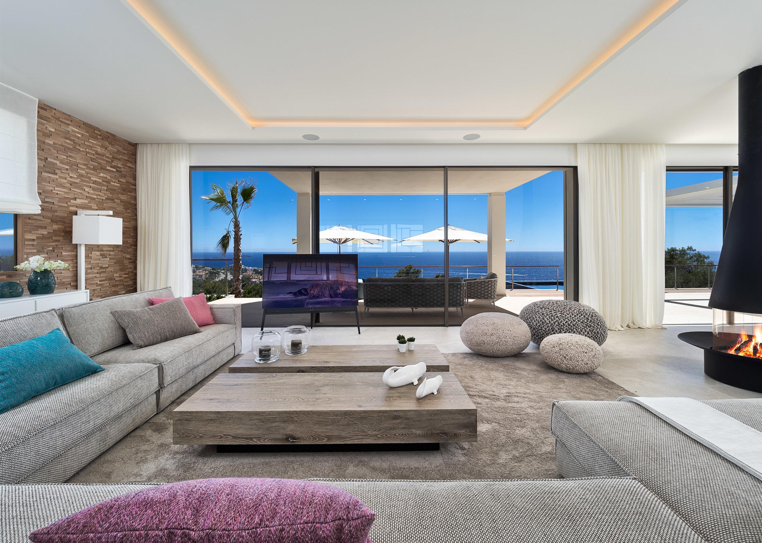La Mansion I,  2019