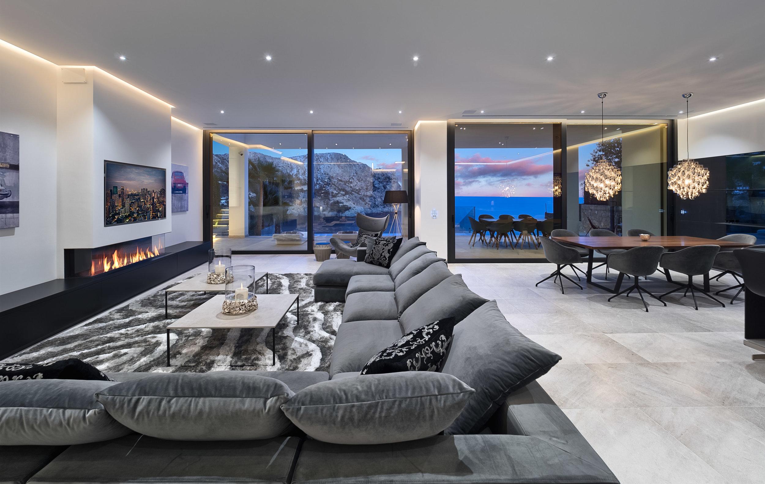 Lounge View, 2019