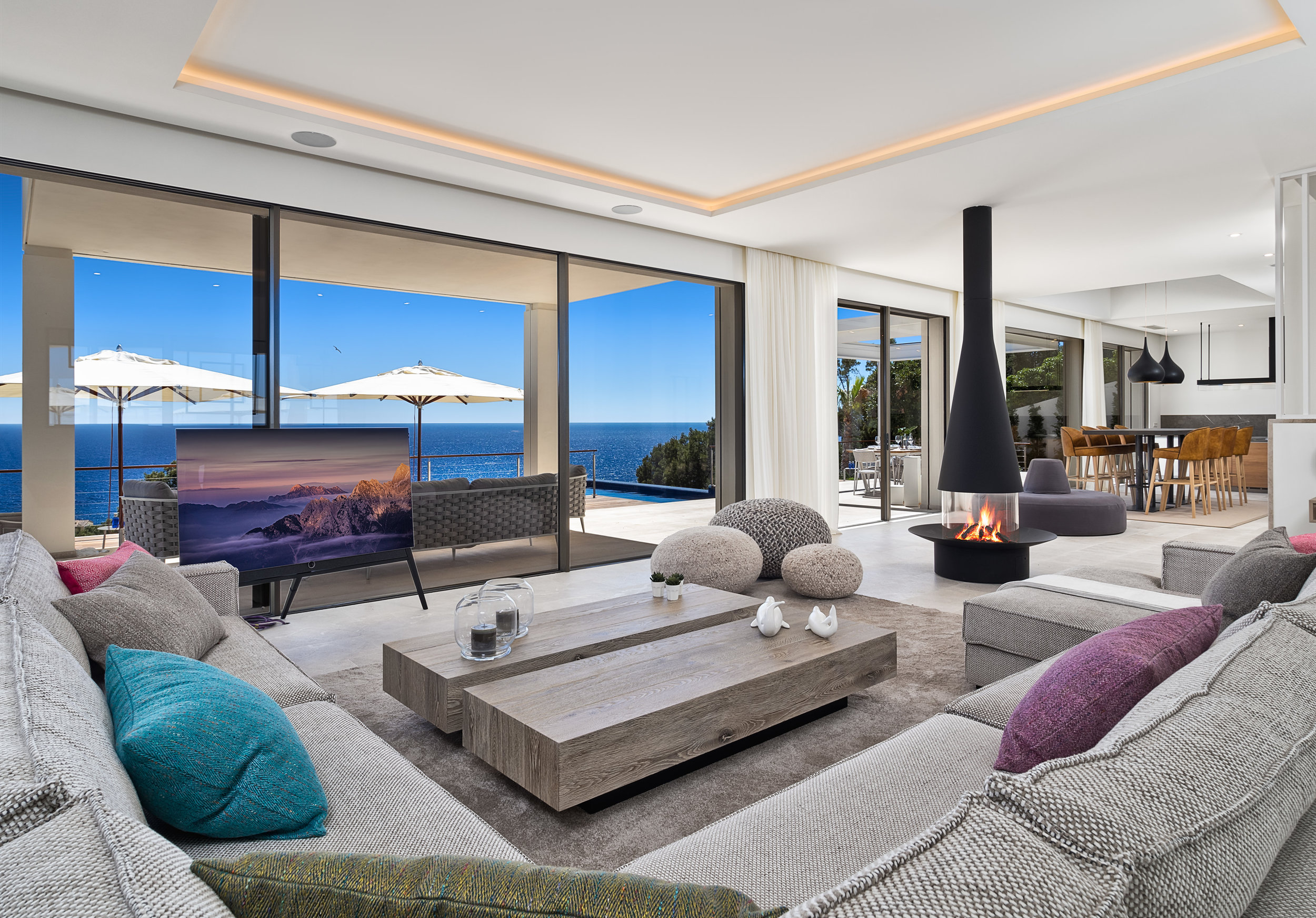La Mansion III,  2019