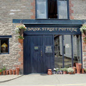 Brook Street Pottery   Brook Street, Hay-on-Wye, Hereford HR3 5BQ.  Hand-thrown porcelain & wood-fired salt glaze