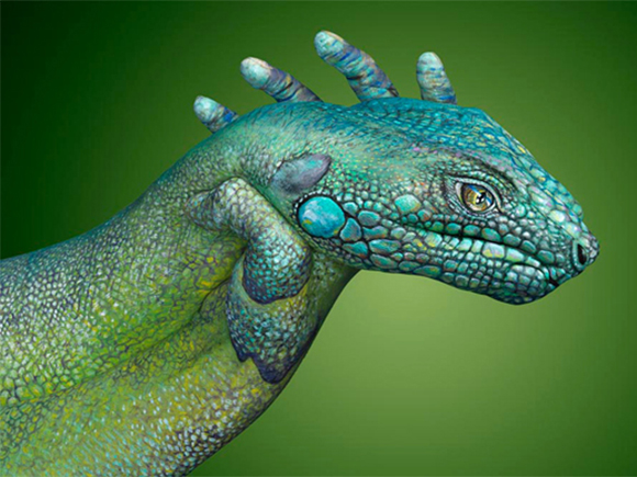 Hand-paintings-by-Guido-Daniele 06