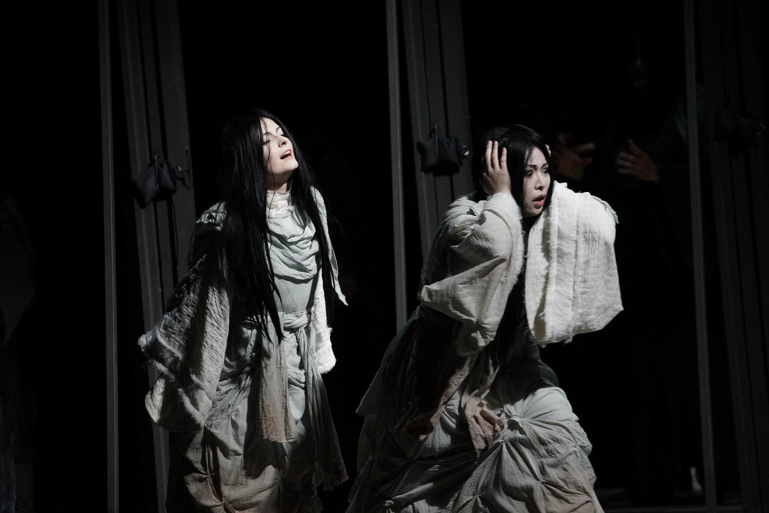 """Matsukaze in """"Matsukaze"""", Oper Kiel 2015, ML: Leo Siberski, R: Matthias von Stegmann, © Olaf Struck"""