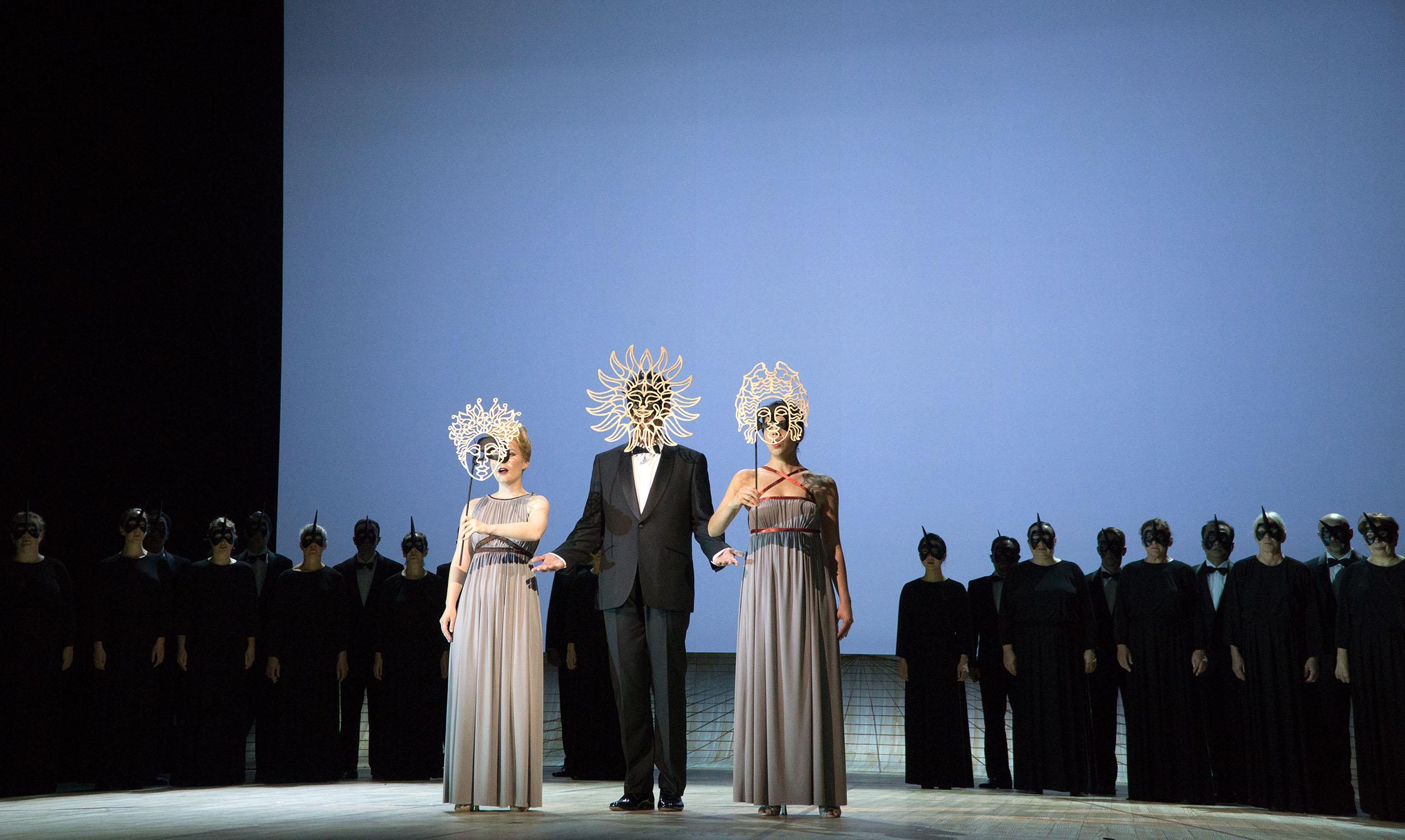 "Fleur in ""Atys"", Oper Kiel 2014/15, ML: Rubén Dubrovsky, R: Lucinda Childs, © Olaf Struck"