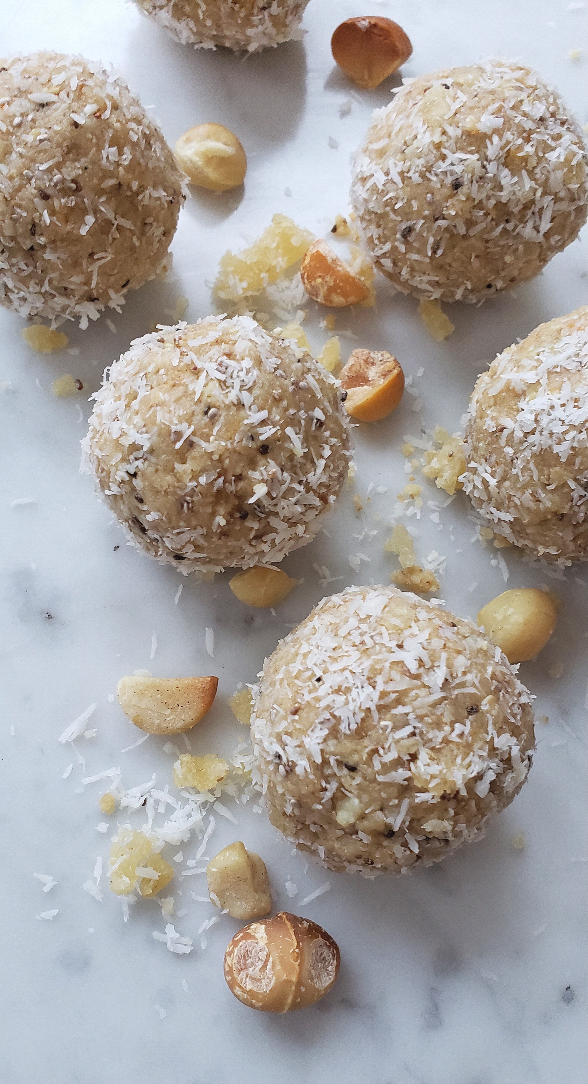 TROPICAL+PROTEIN+BALLS+WITH+MACADAMIA+NUTS.jpg