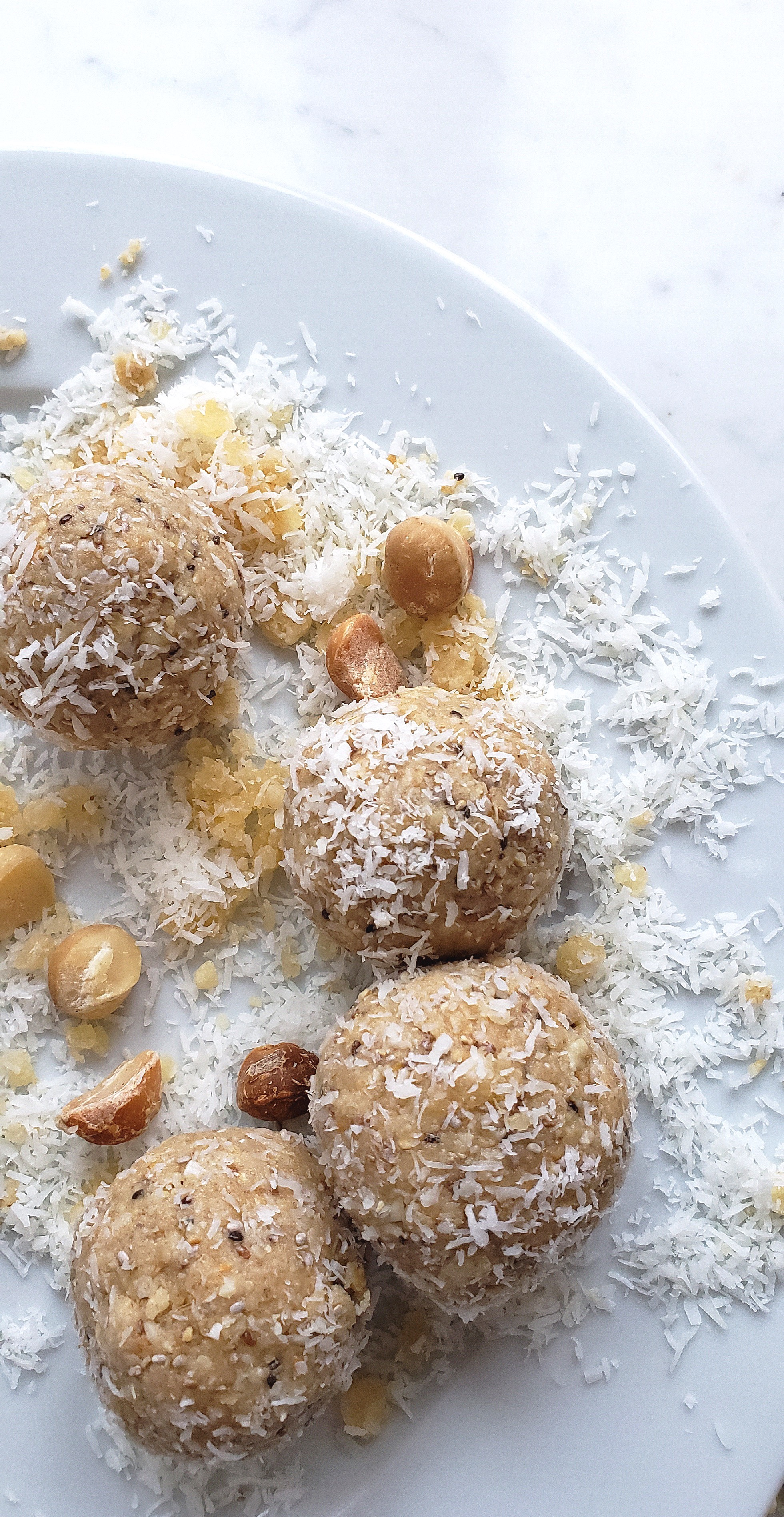 TROPICAL PROTEIN BLISS BALLS WITH MACADAMIA NUTS.jpg