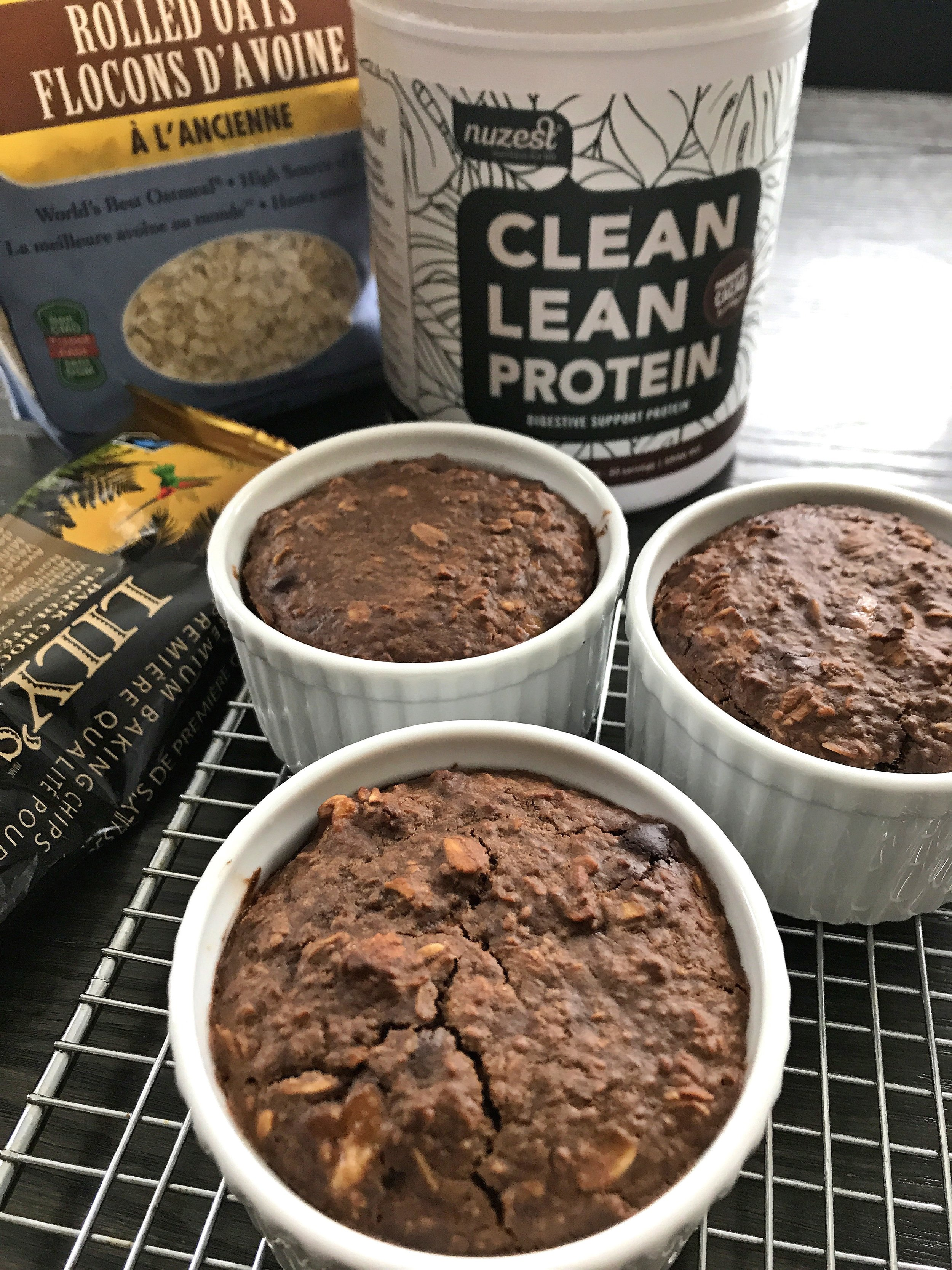 CHOCOLATE BANANA BAKED OATS INGREDIENTS.jpg