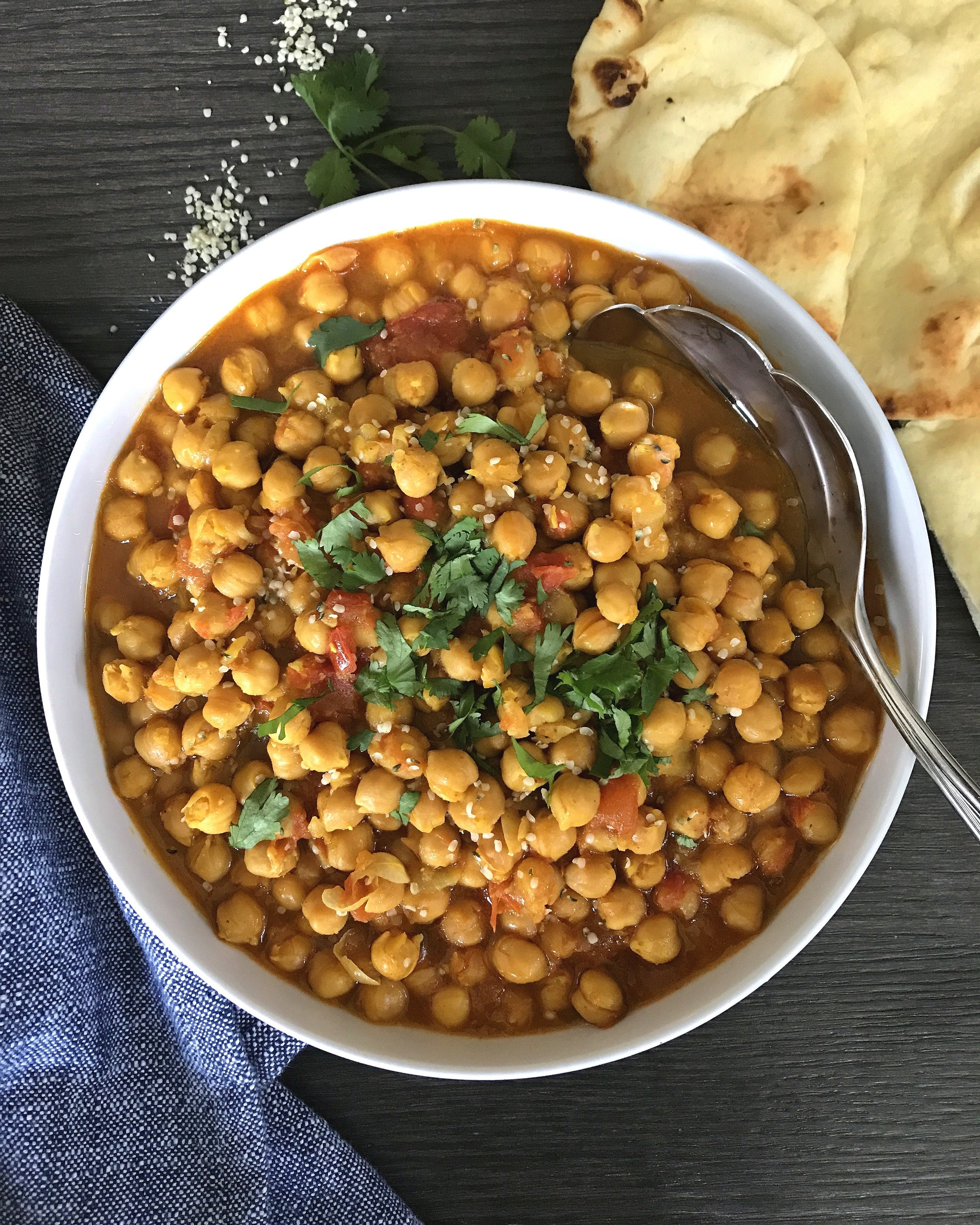 CHANA MASALA WITH NAN.jpg