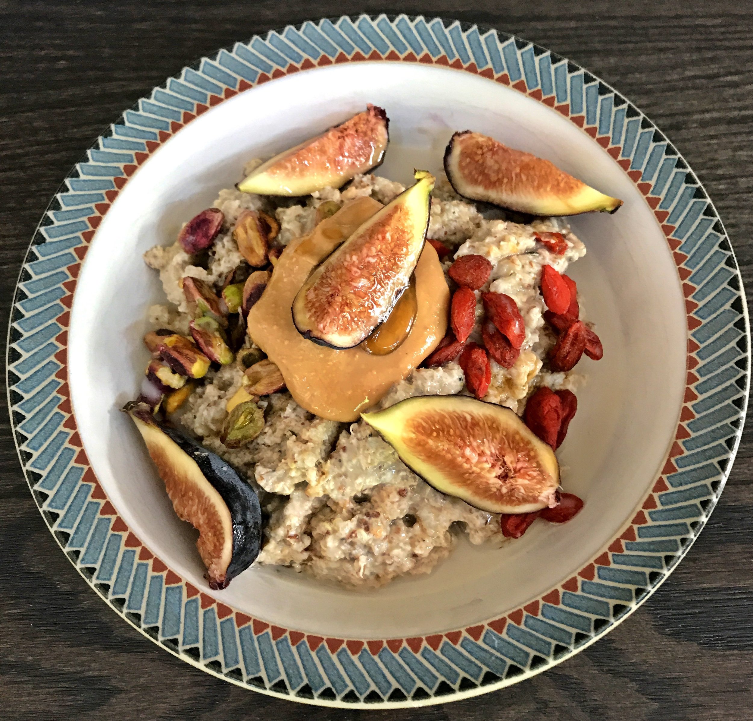 SUPERFOOD BOOSTED QUINOA BREAKFAST BOWL.jpg