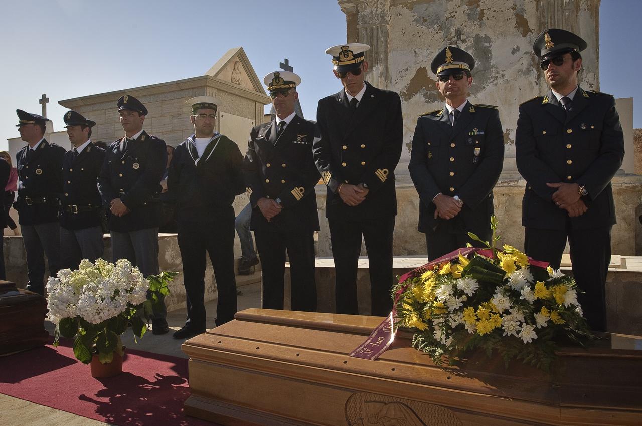 Surviving the high sea, Lampedusa
