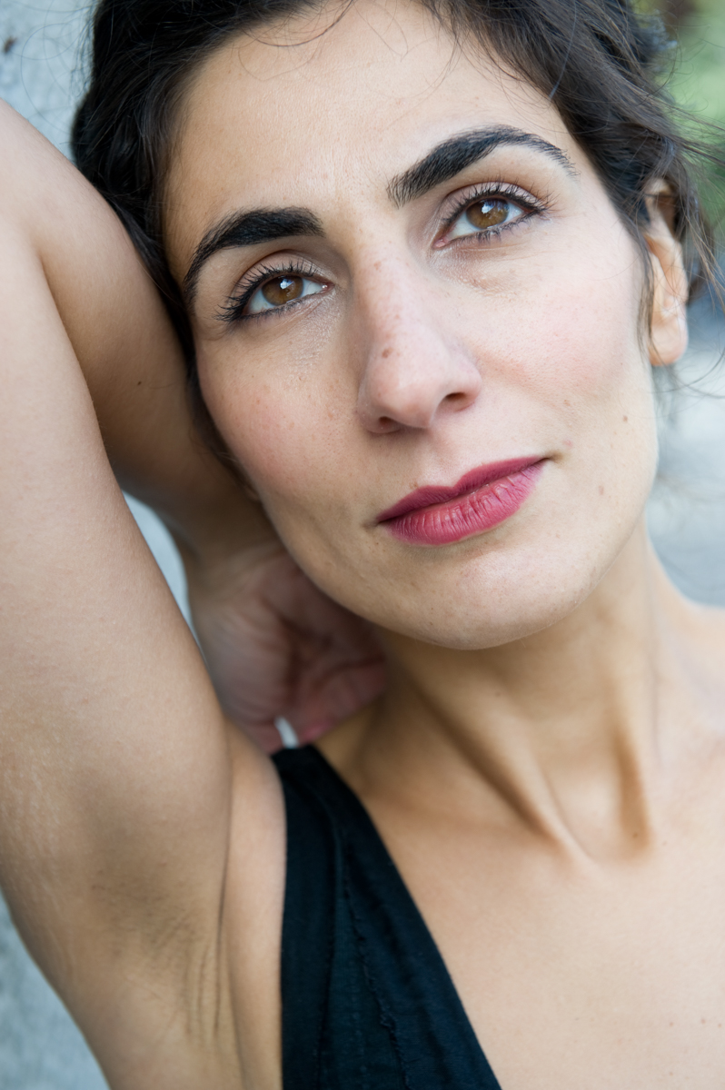Dafne Niglio - Actress