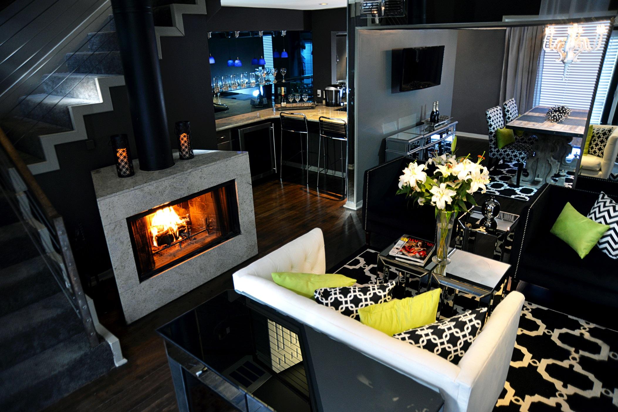 Apartment 5.2.3 Living Room..jpg