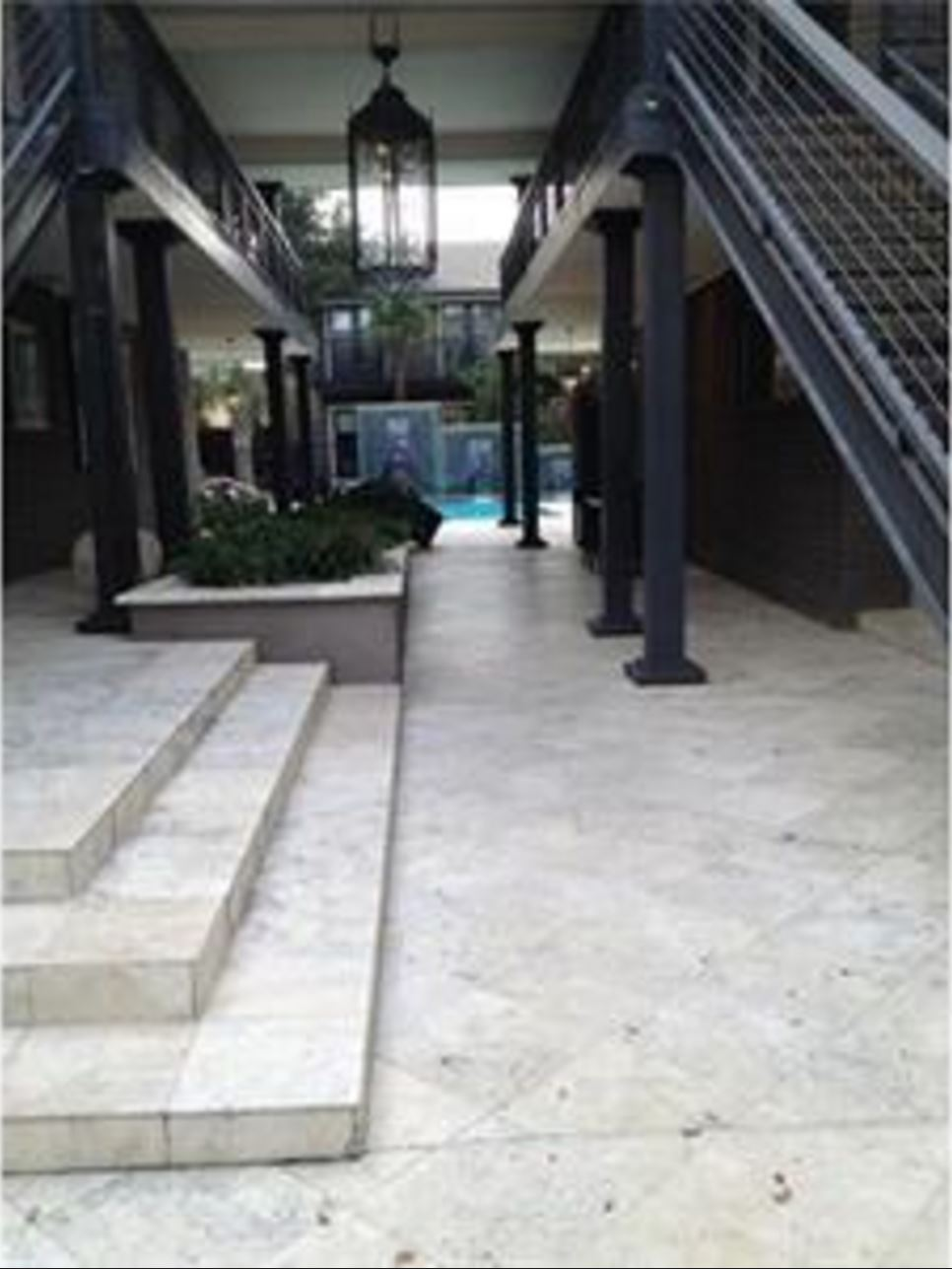 Paradiso 4 Courtyard 1.JPG