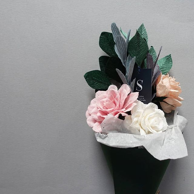 The wait is almost over. This bouquet will be up for grabs if you're strolling around Chelsea and craving for ice cream. How does that relevant? They both gave you instant joy 😄.