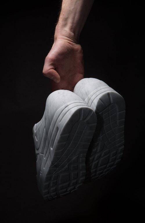 Alasdair-Thomson-Marble-Nike-Sculpture-2.jpg