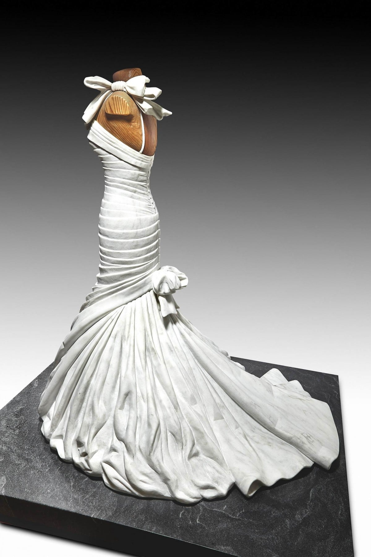 Alasdair-Thomson-Marble-Wedding-Dress-Sculpture-Pnina-Tornai.jpg