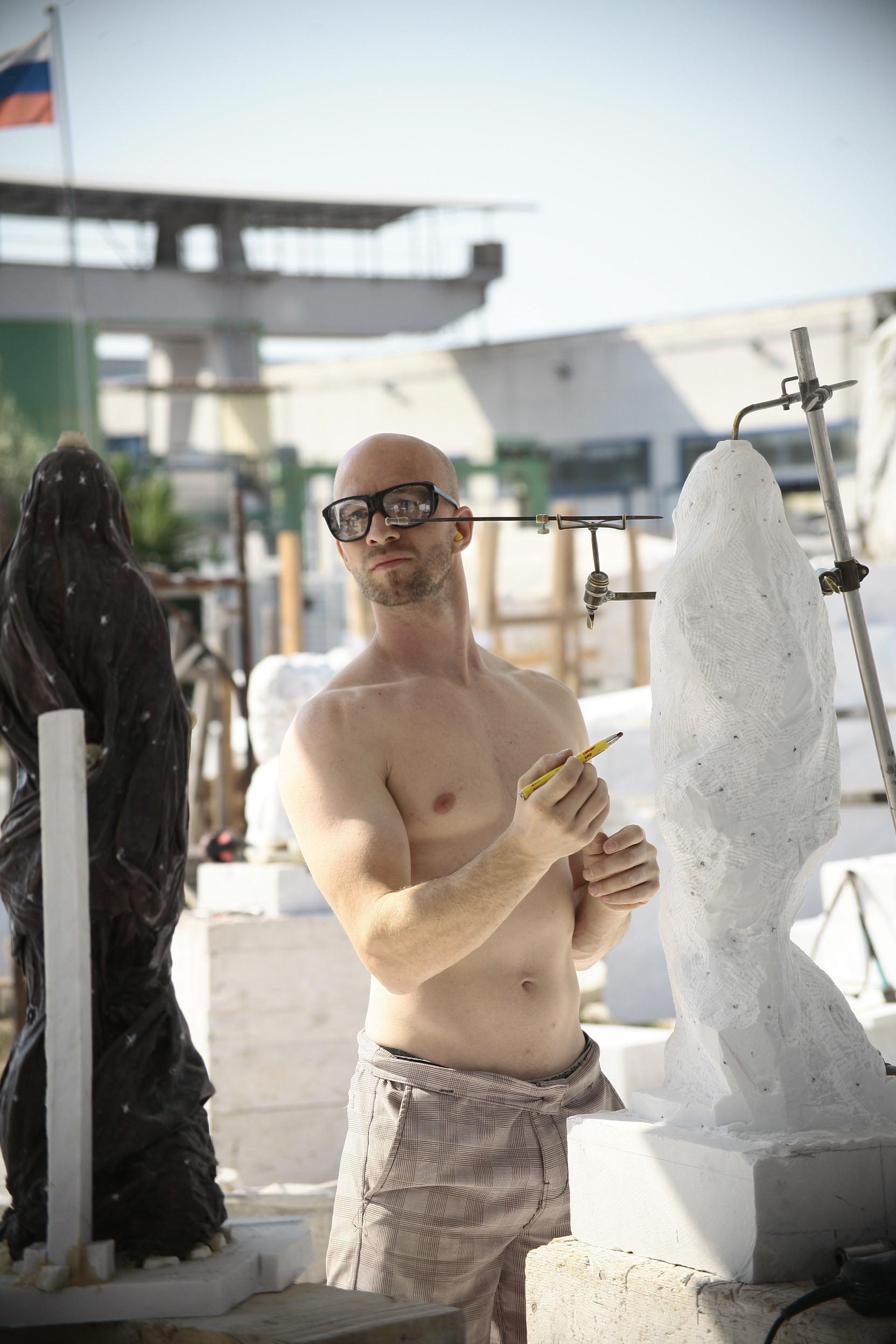 New-York-Academy-of-Art-Carrara-Residency-Josh-Henderson-Heena-Kim20140613_0116.JPG