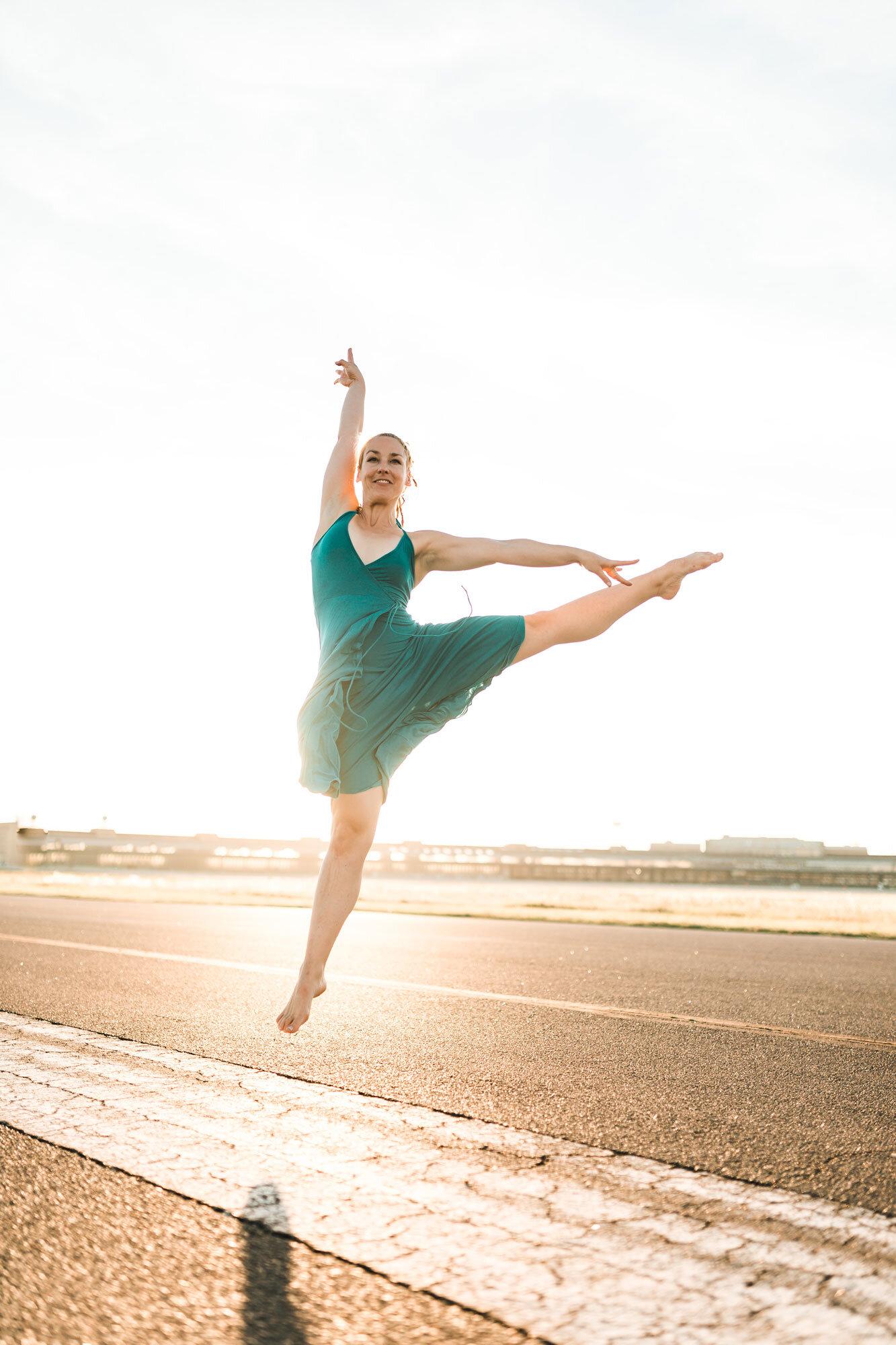 Dance-01.jpg