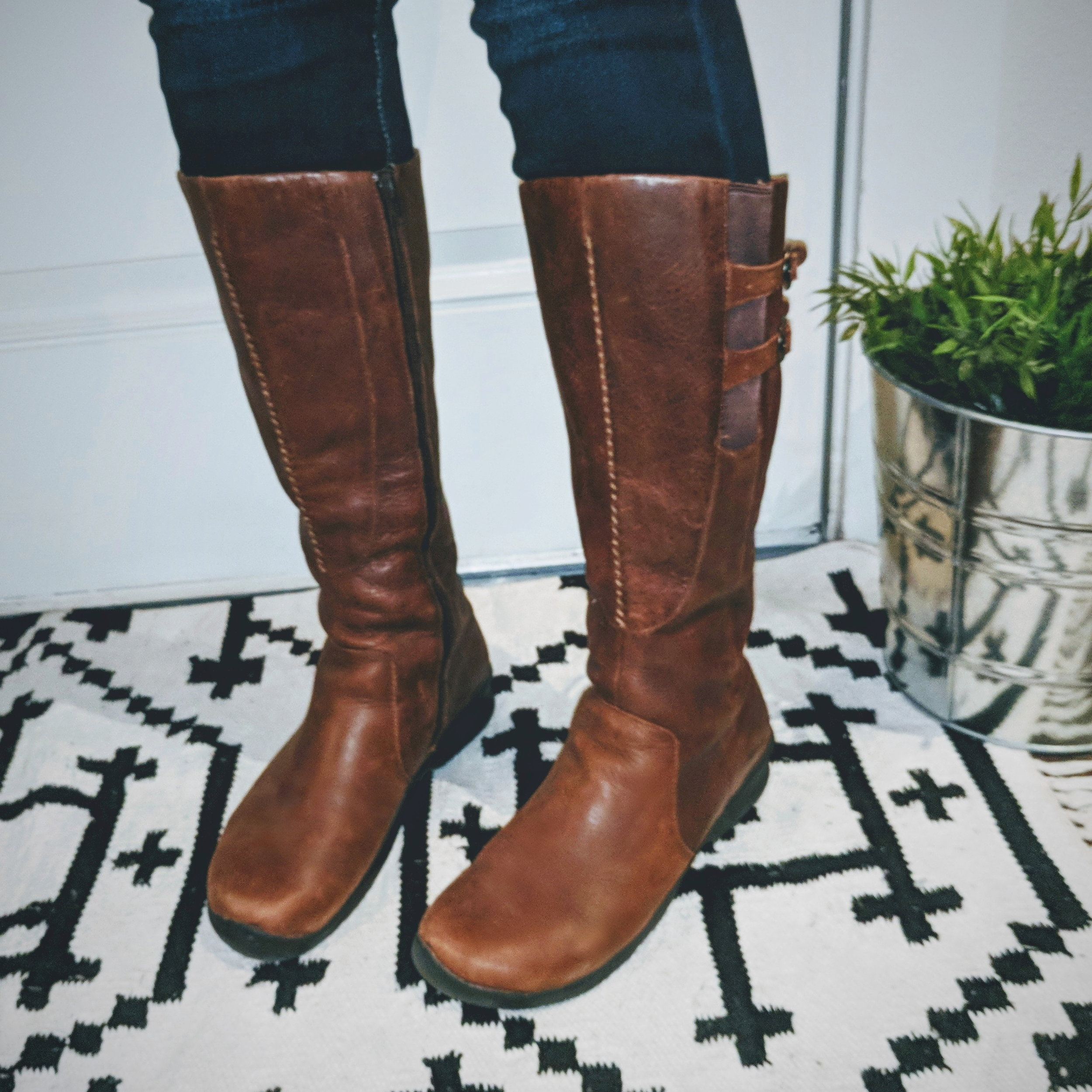 wintertravel_boots.jpg