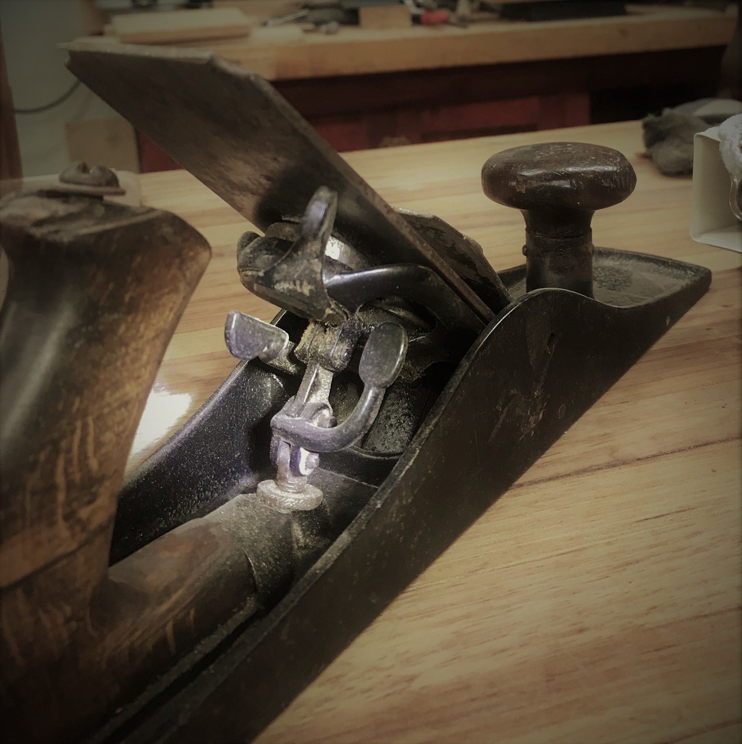 Nelson Palmer's three-lever adjustment system--a different way to operate a hand plane.